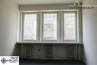 Kancelária - Kopčianska - 19 m2 - 1. poschodie