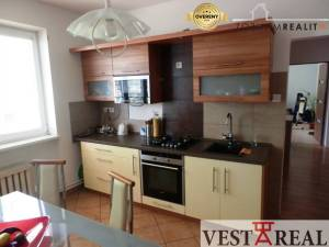 Na predaj čiastočne zrekonštruovaný rodinný dom, 599 m2, Ružindol