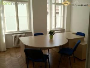 Kancelarie nové na Michalskej ul.