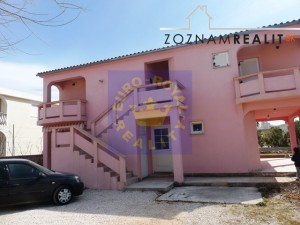 Apartmánový objekt 70 m od moře, Vir