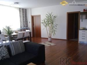 3-izbový byt, St. mesto - Štúrova, 100 m2, balkón, 2. poschodie