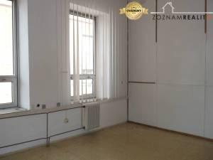 PRENÁJOM - kancelársky priestor 13, 18, 25, 31, 35 m2 / Trnava