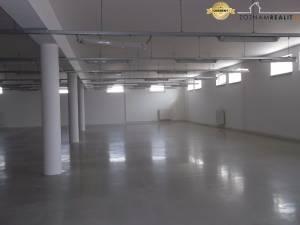 PRENÁJOM výrobných / skladových  priestorov / 3000 m2 / TRNAVA