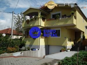 Rodinný/apartmánový dům v Zadaru