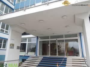 Prenájom kancelárskych priestorov Nevädzova ul, 20 - 1000 m2