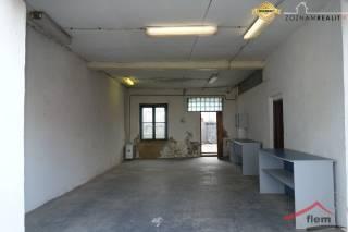 Obchodné a skladové priestory na prenájom, Vráble, centrum mesta, 180